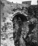 Antico arco a Cori.jpg